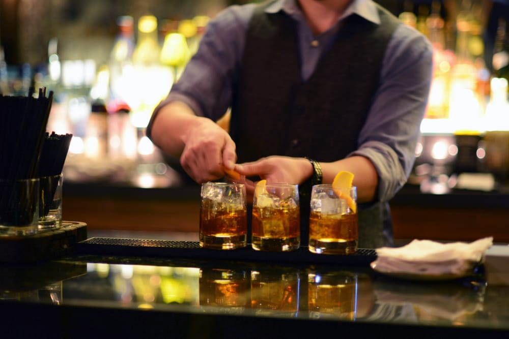 D.W. Alexander   Piano bar (Toronto) – creating and developing a unique style